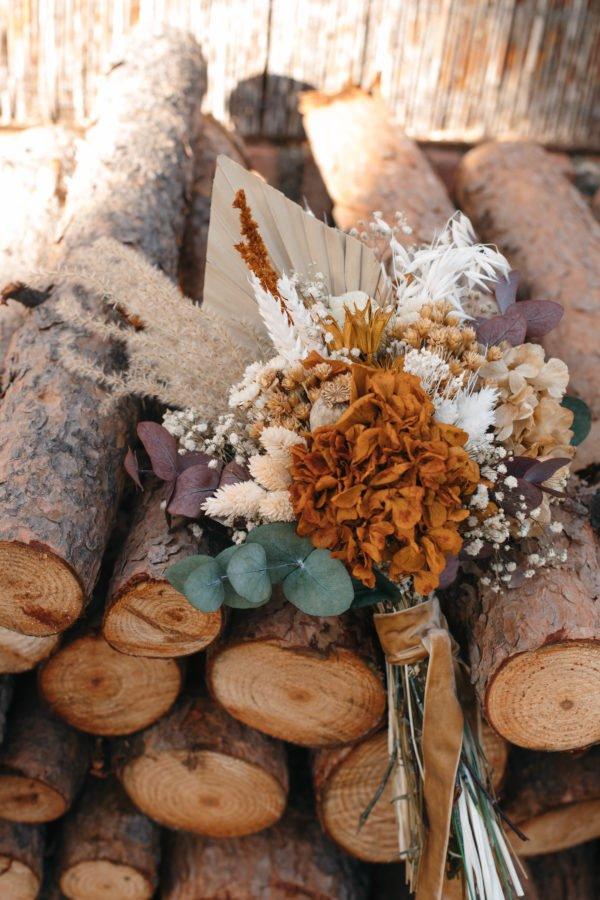 Ramo de novia con hortensia amarilla