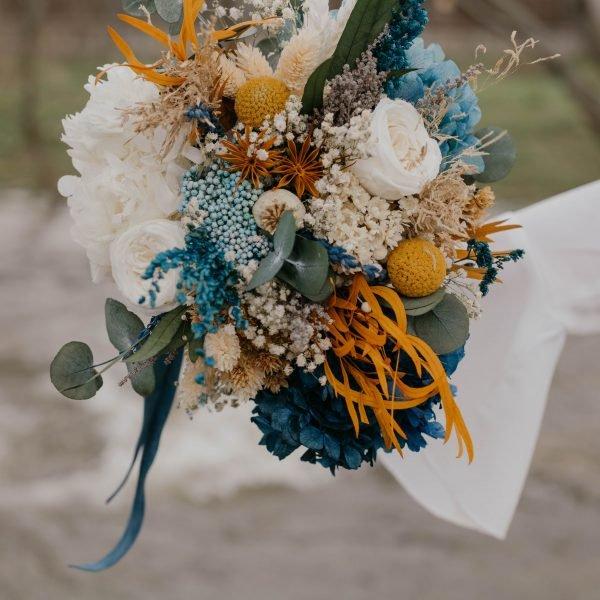 Ramo de novia con hortensia azul