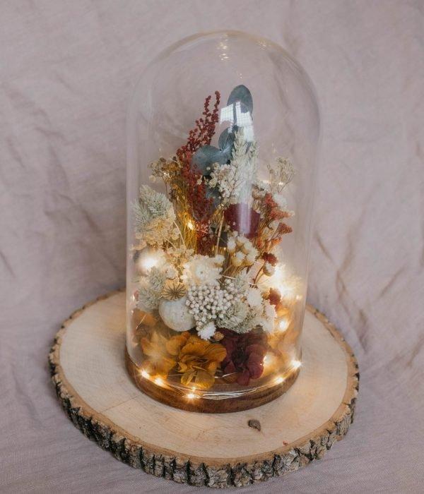 cupula de flores preservadas