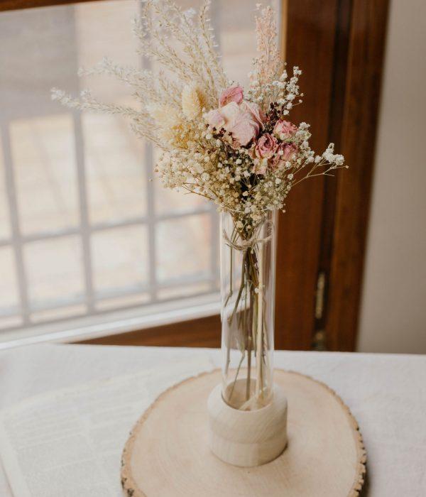violetero de flores secas